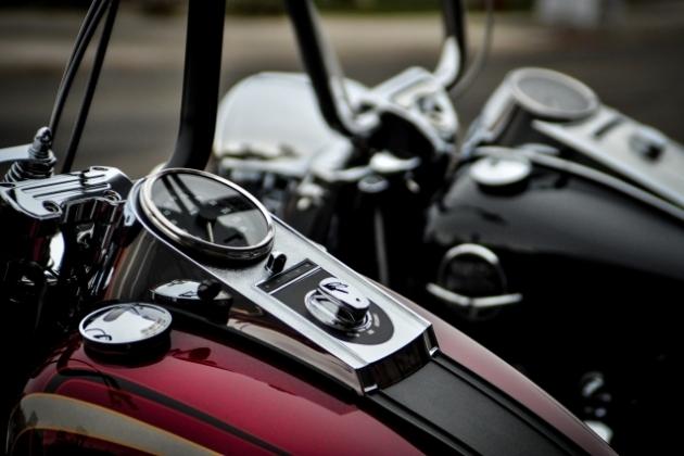 バイク事故による脊髄損傷 麻痺の後遺症が残ってしまった場合の慰謝料相場は?