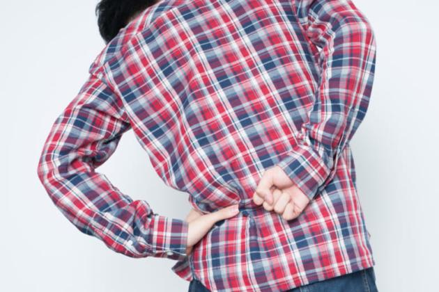 交通事故での腰痛の後遺症の原因は腰椎捻挫!?腰の治療や慰謝料獲得のポイントとは