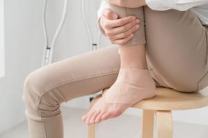 踵骨骨折の後遺症等級の認定基準や後遺障害慰謝料の相場について弁護士が解説!
