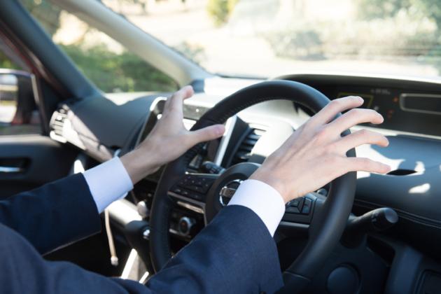 自損事故の保険金|受け取りまでの流れ・警察への届出の要否・金額・等級を紹介!