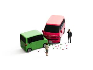 交通事故の対応・処理・対処法マニュアル|フローチャートで流れや手順をご紹介!