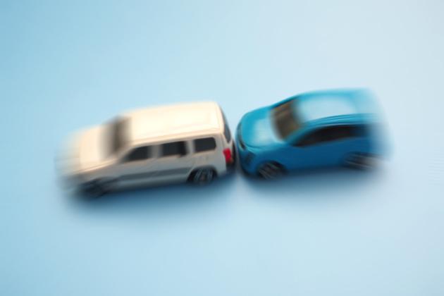 追突事故 加害者の違反点数・慰謝料など示談前に知っておくべきこと