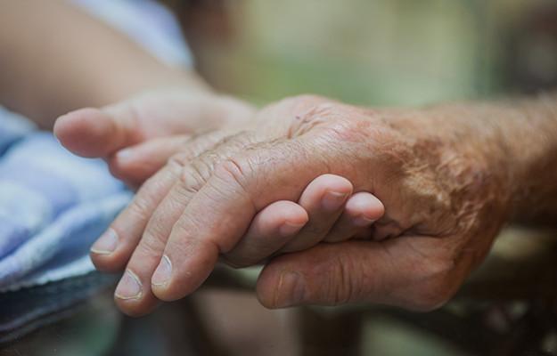 交通事故|高齢者・老人の死亡慰謝料や賠償金の相場ランク、判例から厳選した5選