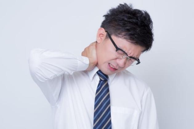 ストレートネック|事故との因果関係・むちうちとの違い・後遺症の認定