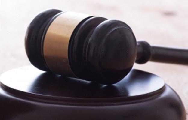 交通事故の刑事裁判|交通事故の判例や裁判の流れ・加害者が負担する期間・費用