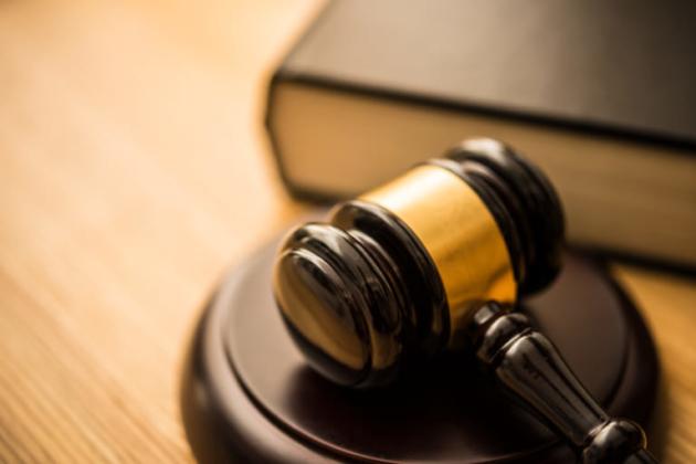 交通事故裁判の流れ 期間は判決まで平均1年以上?出廷は何回?慰謝料額は?