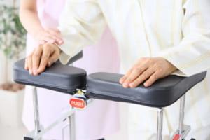 股関節や膝、肩の人工関節で障害者手帳が交付されるための条件や手続きとは…!?
